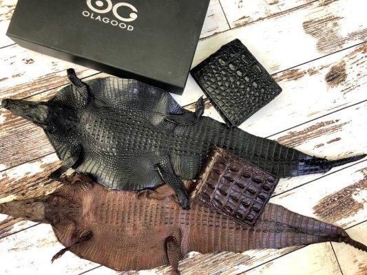 ví da cá sấu và thắt lưng da cá sấu