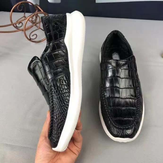 Giày thể thao da cá sấu