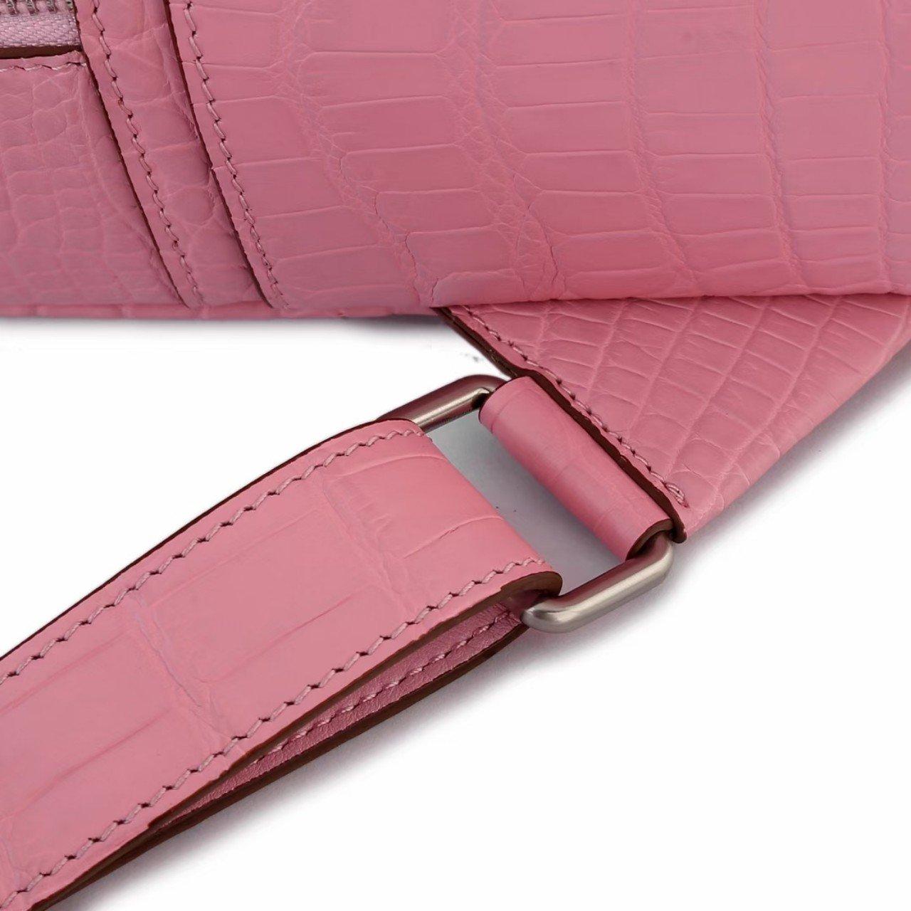 Ba lô nữ da cá sấu màu hồng