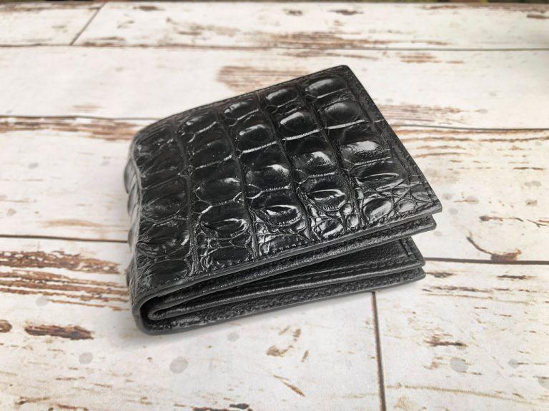 Chọn mua ví da từ những cửa hàng uy tín
