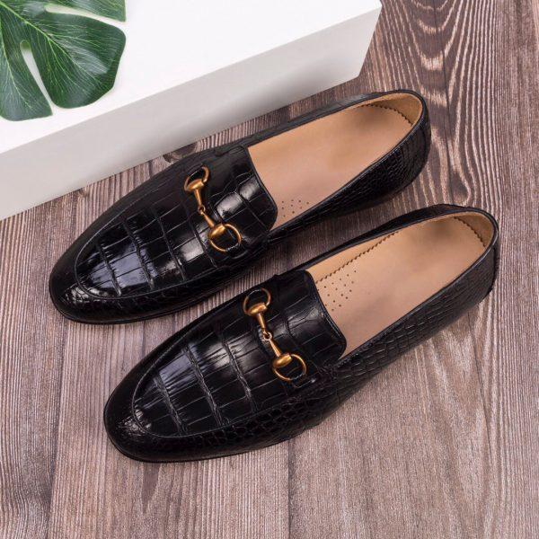 cách khắc phục giày da bị xước