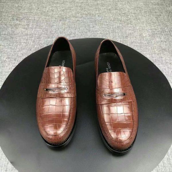 cách xử lý giày da bị xước